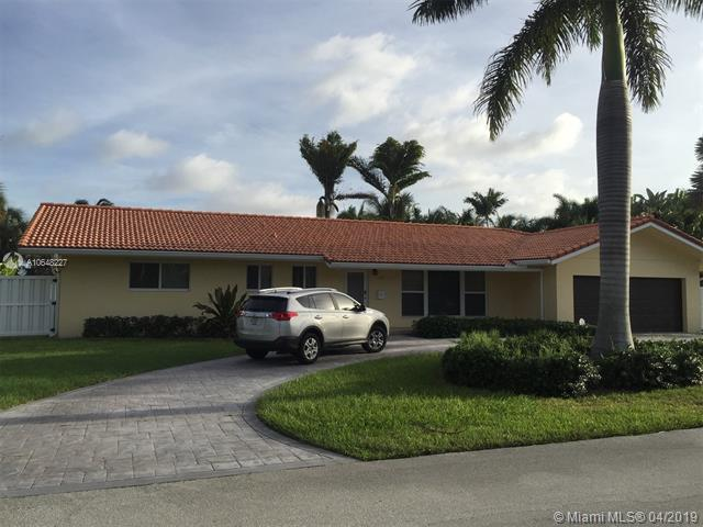 2848 NE 26th Ct, Fort Lauderdale, FL 33306 (MLS #A10648227) :: The Paiz Group
