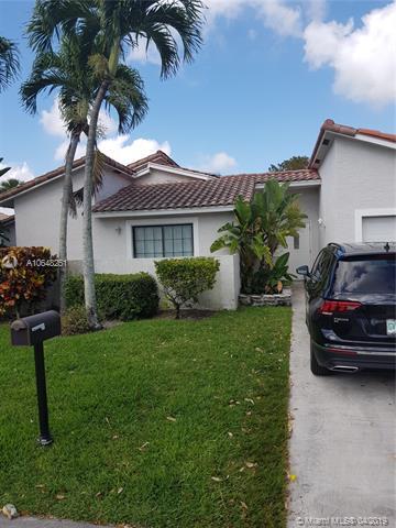 197 NW 47th Ave, Deerfield Beach, FL 33442 (MLS #A10648251) :: The Paiz Group