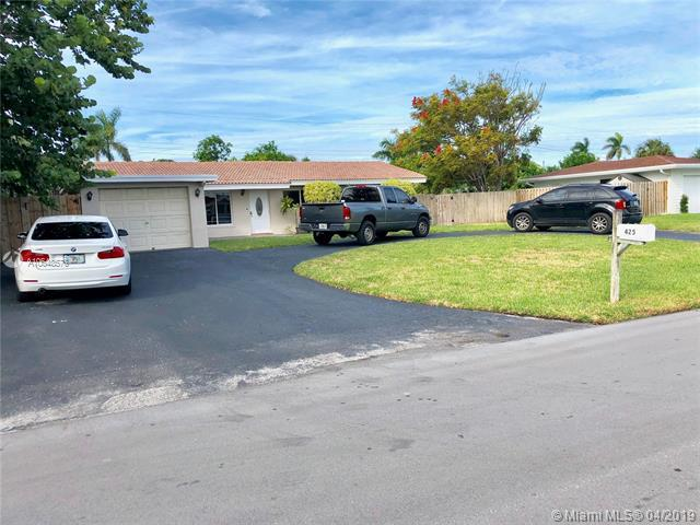 425 NE 33rd St, Boca Raton, FL 33431 (MLS #A10648573) :: The Riley Smith Group
