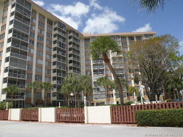 10777 W Sample Rd #1002, Coral Springs, FL 33065 (MLS #A10648590) :: The Brickell Scoop