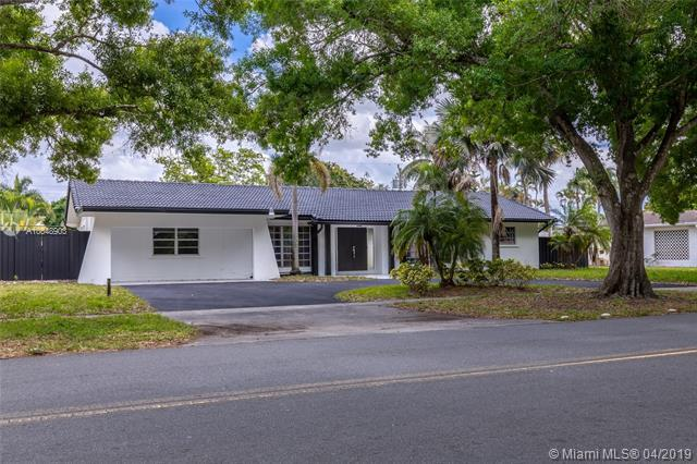 202 SW 54th Ave, Plantation, FL 33317 (MLS #A10648903) :: The Paiz Group