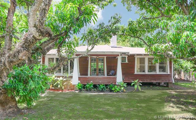 7460 Erwin Rd., Coral Gables, FL 33143 (MLS #A10649247) :: Grove Properties