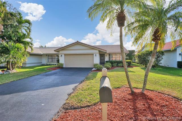 1911 NW 97th Ter, Coral Springs, FL 33071 (MLS #A10649255) :: The Paiz Group