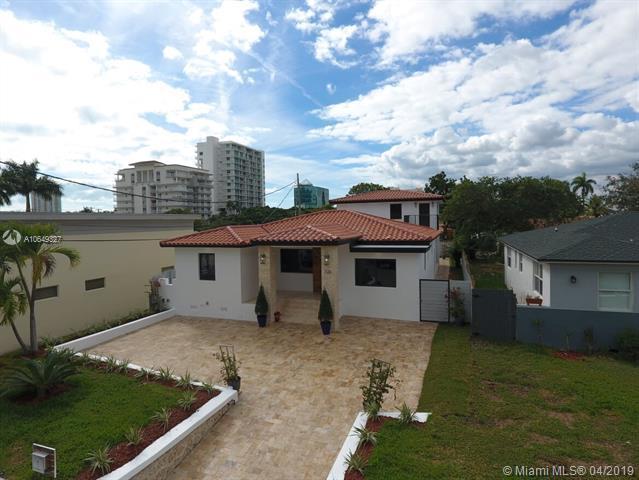 320 SW 19th Rd, Miami, FL 33129 (MLS #A10649327) :: The Brickell Scoop