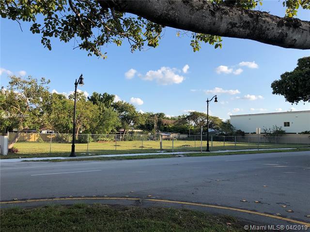 1833 SW 3 Ave, Miami, FL 33129 (MLS #A10649385) :: The Brickell Scoop