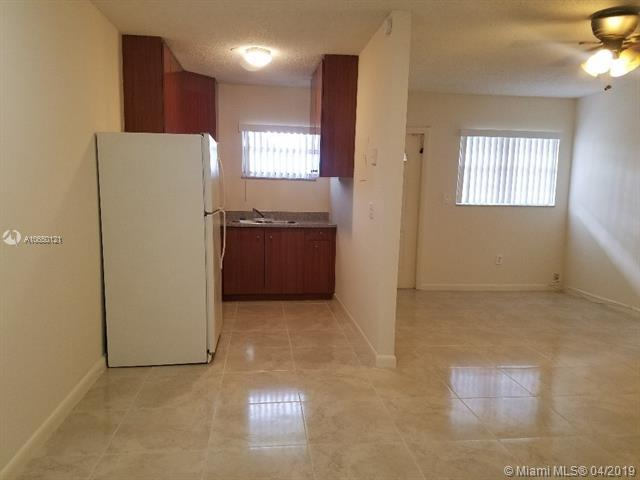 716 SW 16th Ave 1-5, Fort Lauderdale, FL 33312 (MLS #A10650121) :: Grove Properties