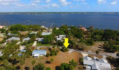 924 SE Weir St, Stuart, FL 34994 (MLS #A10650624) :: The Jack Coden Group