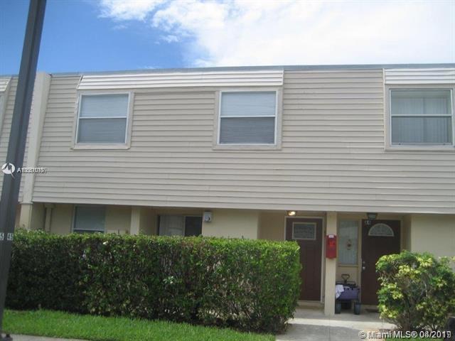 6601 Winfield Blvd A3, Margate, FL 33063 (MLS #A10651018) :: Laurie Finkelstein Reader Team