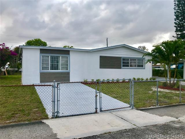 20910 NW 32nd Ave, Miami Gardens, FL 33056 (MLS #A10651106) :: Berkshire Hathaway HomeServices EWM Realty