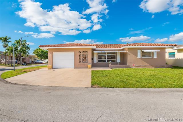 7311 NW 59th St, Tamarac, FL 33321 (MLS #A10651450) :: The Paiz Group