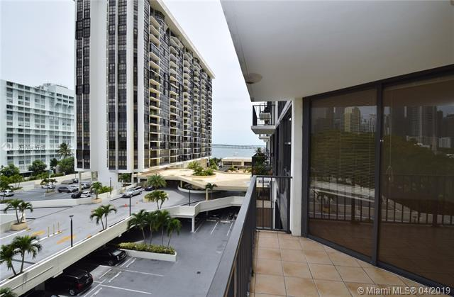 1901 Brickell Ave B610, Miami, FL 33129 (MLS #A10652016) :: The Brickell Scoop