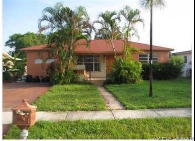 4701 SW 27th St, West Park, FL 33023 (MLS #A10652327) :: The Paiz Group