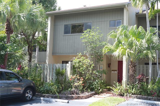 91 NE 17th Ct, Fort Lauderdale, FL 33305 (MLS #A10652374) :: Grove Properties