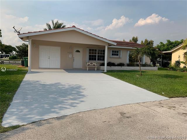8607 NW 58th Pl, Tamarac, FL 33321 (MLS #A10653527) :: The Riley Smith Group