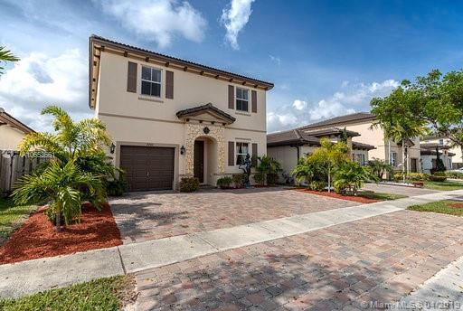 2266 NE 3rd Ct, Homestead, FL 33033 (MLS #A10653661) :: Berkshire Hathaway HomeServices EWM Realty
