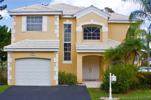 485 Somerset Way, Weston, FL 33326 (MLS #A10653828) :: The Paiz Group