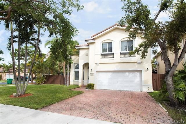 10981 NW 44th Ter, Doral, FL 33178 (MLS #A10654145) :: Ray De Leon with One Sotheby's International Realty
