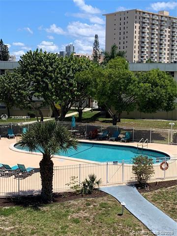 270 Layne Blvd #310, Hallandale, FL 33009 (MLS #A10654376) :: The Paiz Group