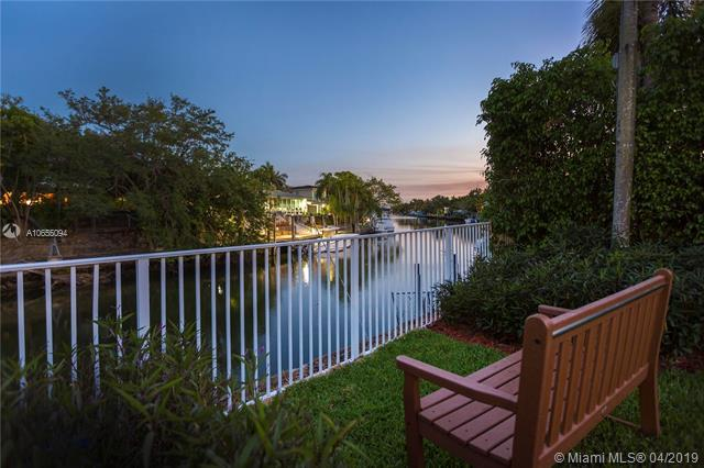 5343 Orduna Dr, Coral Gables, FL 33146 (MLS #A10655094) :: The Riley Smith Group