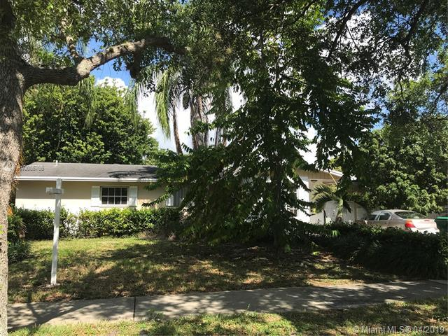9011 Ridgeland Dr, Cutler Bay, FL 33157 (MLS #A10655765) :: The Jack Coden Group