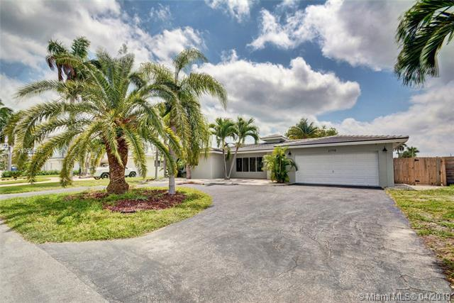 2790 NE 9th Ct, Pompano Beach, FL 33062 (MLS #A10655916) :: RE/MAX Presidential Real Estate Group