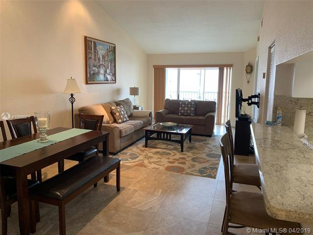 923 Coral Club Drive #923, Coral Springs, FL 33071 (MLS #A10655971) :: The Paiz Group