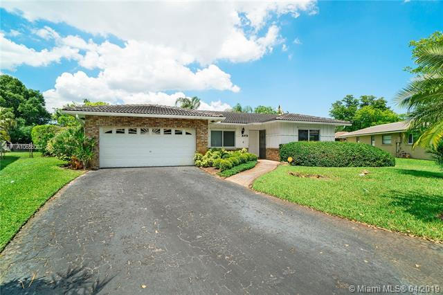 8671 NW 9th Ct, Coral Springs, FL 33071 (MLS #A10656002) :: Laurie Finkelstein Reader Team
