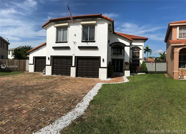 791 NW 129th Ave, Miami, FL 33182 (MLS #A10656106) :: The Paiz Group