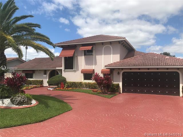 19620 E Oakmont Dr, Hialeah, FL 33015 (MLS #A10656193) :: Grove Properties