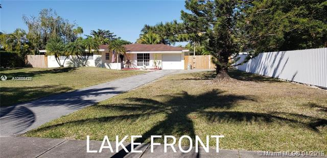 8210 SW 138th Ave, Miami, FL 33183 (MLS #A10656433) :: The Riley Smith Group