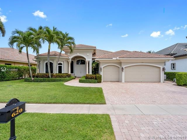 620 S Carrotwood Ter, Plantation, FL 33324 (MLS #A10656566) :: The Paiz Group
