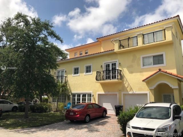 716 SW 9th Ter, Fort Lauderdale, FL 33315 (MLS #A10656974) :: Green Realty Properties
