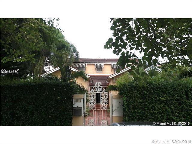 241 SW 19th Rd, Miami, FL 33129 (MLS #A10657187) :: The Brickell Scoop