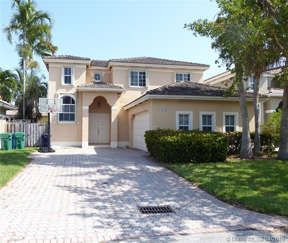 9119 SW 162nd St, Palmetto Bay, FL 33157 (MLS #A10657381) :: Ray De Leon with One Sotheby's International Realty