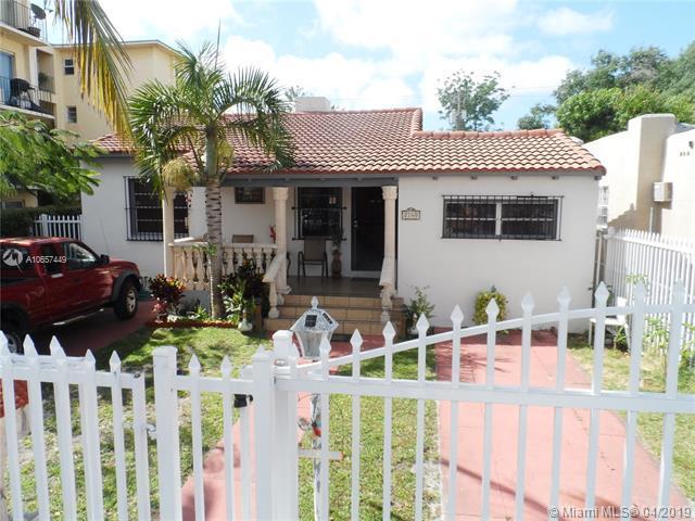 2140 SW 6th St, Miami, FL 33135 (MLS #A10657449) :: The Paiz Group