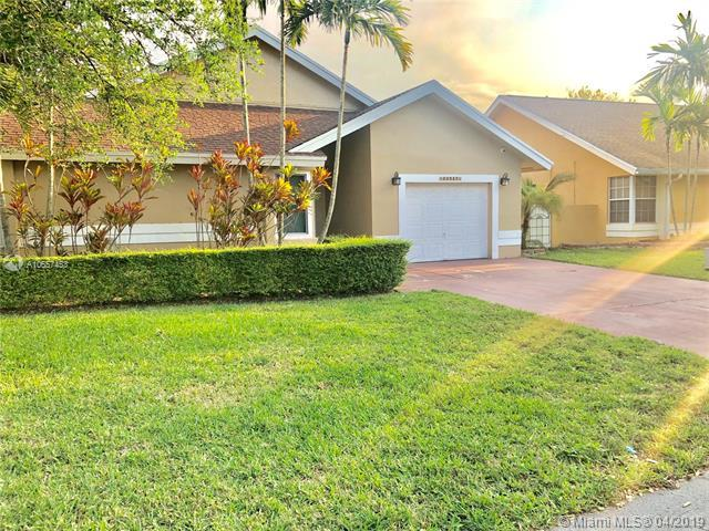20520 NW 8th St, Pembroke Pines, FL 33029 (MLS #A10657453) :: The Riley Smith Group