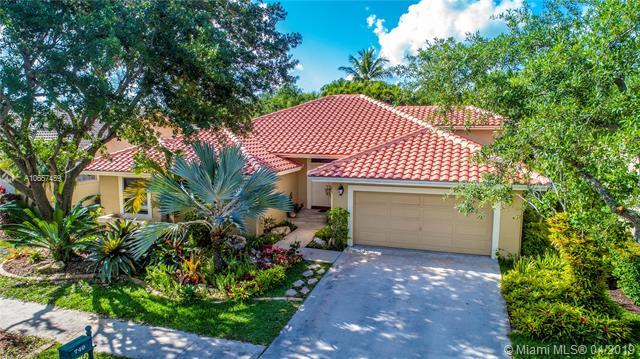 740 Crystal Ct, Weston, FL 33326 (MLS #A10657459) :: The Chenore Real Estate Group