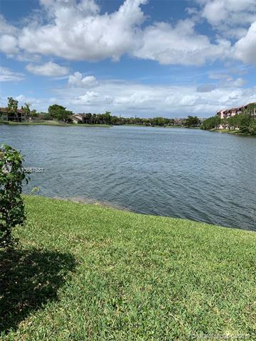 10005 Winding Lake Rd #106, Sunrise, FL 33351 (MLS #A10657587) :: Laurie Finkelstein Reader Team