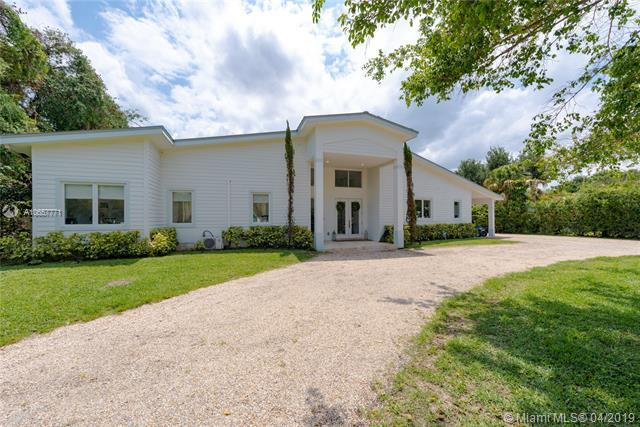 8000 SW 122nd St, Pinecrest, FL 33156 (MLS #A10657771) :: Grove Properties