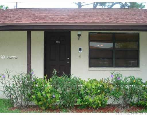 383 Glenwood Dr #383, West Palm Beach, FL 33415 (MLS #A10657804) :: Laurie Finkelstein Reader Team