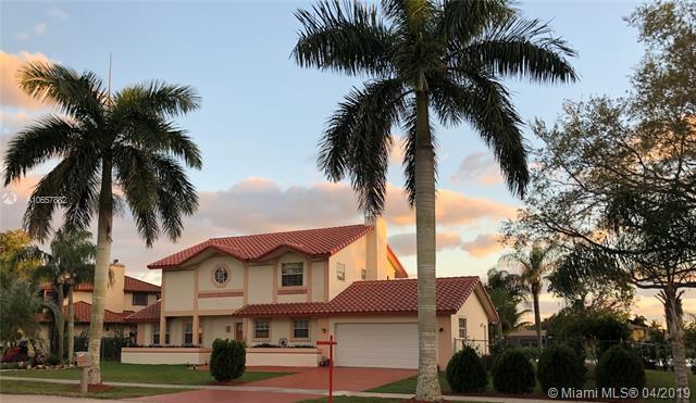 6101 Falconsgate Ave, Davie, FL 33331 (MLS #A10657882) :: The Paiz Group
