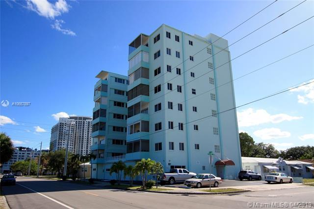 1700 Pierce St #303, Hollywood, FL 33020 (MLS #A10657897) :: The Brickell Scoop