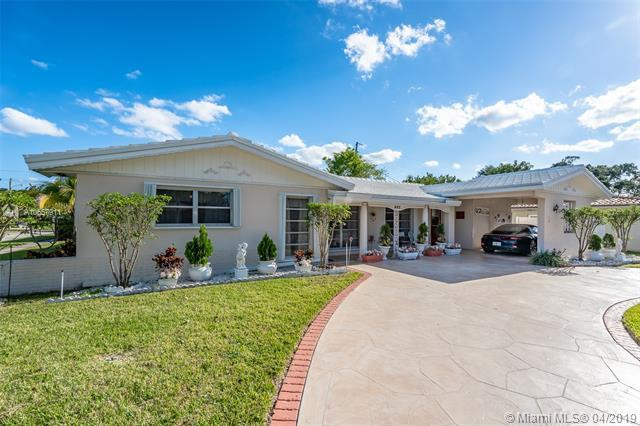 682 W Camino Real, Boca Raton, FL 33486 (MLS #A10657911) :: The Paiz Group