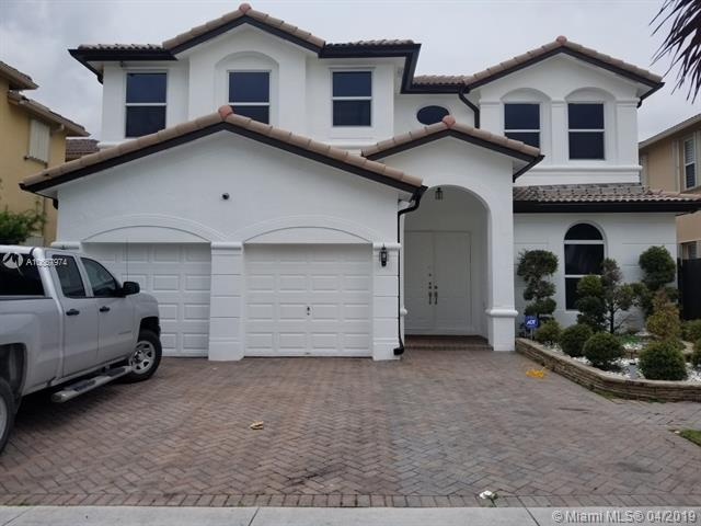 8381 NW 115th Ct, Doral, FL 33178 (MLS #A10657974) :: The Paiz Group