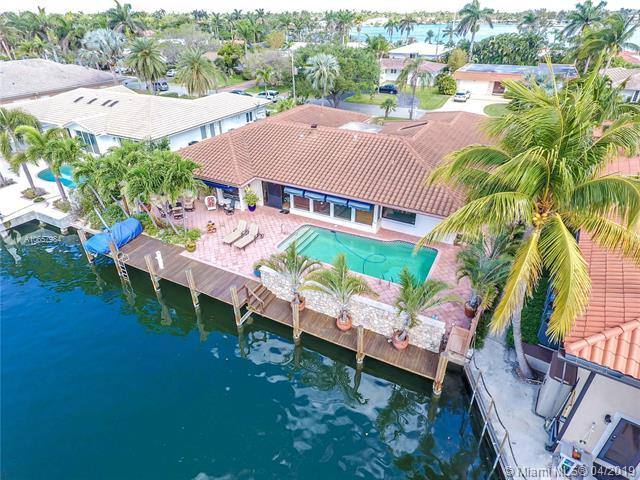 810 Washington St, Hollywood, FL 33019 (MLS #A10657984) :: The Riley Smith Group