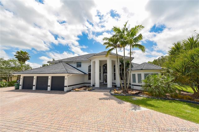11080 SW 23 St, Davie, FL 33324 (MLS #A10658081) :: United Realty Group