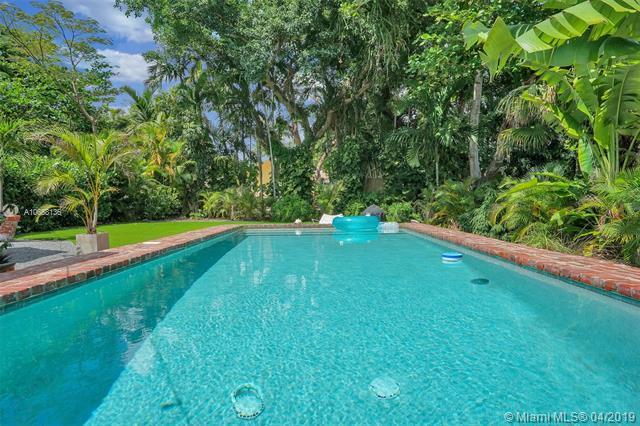 951 NE 82nd Ter, Miami, FL 33138 (MLS #A10658136) :: Castelli Real Estate Services