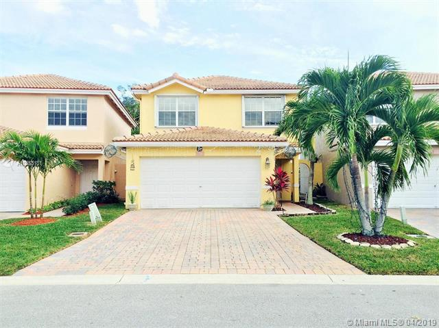 6652 Duval Ave, West Palm Beach, FL 33411 (MLS #A10658181) :: The Paiz Group