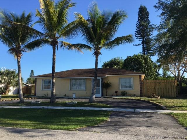 9342 Southampton Pl, Boca Raton, FL 33434 (MLS #A10658245) :: The Paiz Group