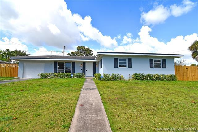 16002 SW 98th Ave, Miami, FL 33157 (MLS #A10658469) :: RE/MAX Presidential Real Estate Group